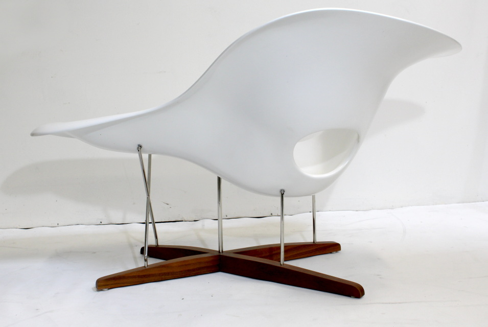 Vitra Eames Chair  Vintage Eames Vitra White La Chaise Chair  Dallas ...