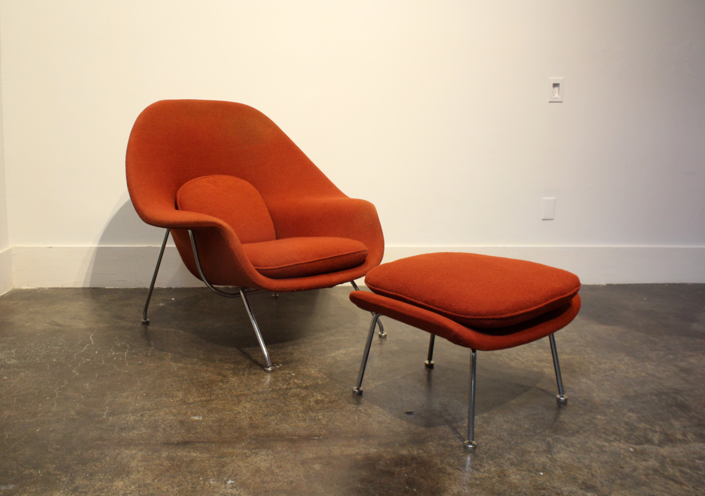 Vintage Knoll Eero Saarinen Womb Chair And Ottoman Set